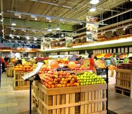 Whole Foods https://onegirlstasteonlife.wordpress.com/2010/09/27/whole-foods-etiquette-dinner-louisville/