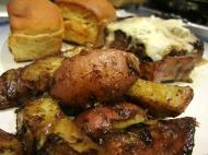 Rosemary Roasted Potatoes https://onegirlstasteonlife.wordpress.com/2009/11/11/beef-tenderloin-with-balsamic-vinegar-glaze-and-roasted-potatoes-with-rosemary/