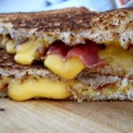 https://onegirlstasteonlife.wordpress.com/2011/01/29/pancetta-grilled-cheese/