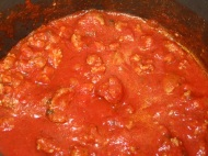 Turkey Bolognese https://onegirlstasteonlife.wordpress.com/2011/03/27/ground-turkey-four-ways/