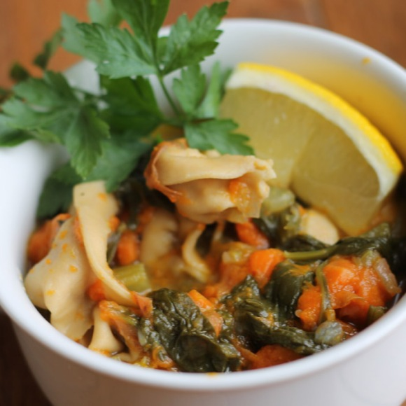 Vegetable Tortellini Soup https://onegirlstasteonlife.wordpress.com/2012/10/19/three-little-soups-part-1/