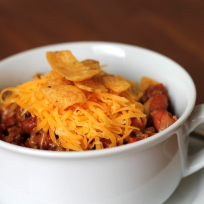 Frito Chili Pie https://onegirlstasteonlife.wordpress.com/2014/01/27/frito-chili-pie/