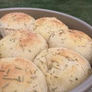 Garlic Rosemary Rolls https://onegirlstasteonlife.wordpress.com/2015/09/29/garlic-rosemary-dinner-rolls/